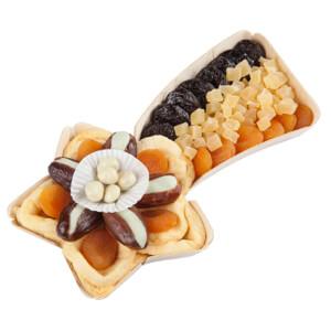 Košíky plné ovocia a orechov pre slávnostné príležitosti